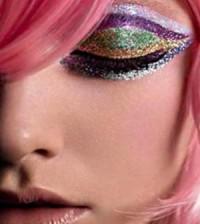 Como Fazer uma Maquiagem com Glitter para o Carnaval