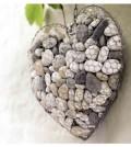 Coração de arame e pedras