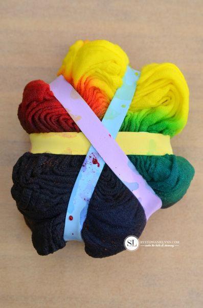 Comece já a fazer tie dye em casa e diferenciar as suas peças (Foto: bystephanielynn.com)