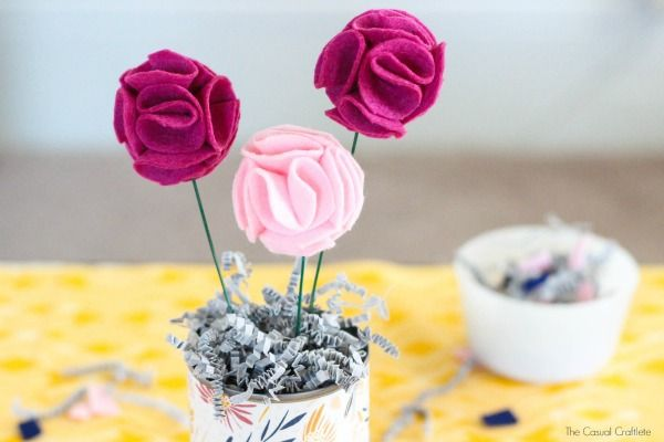 Arranjo de Flores de Feltro Passo a Passo 13