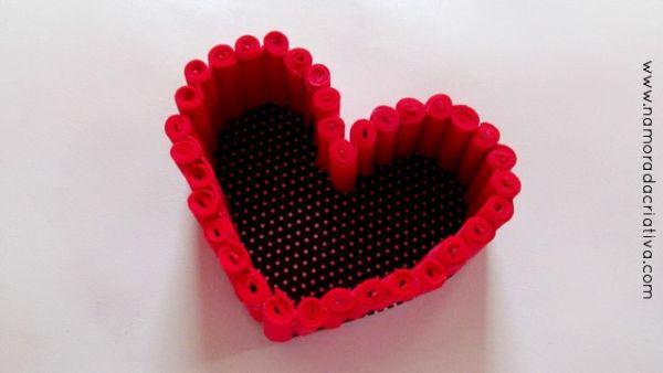 Cestinha de coração de EVA é linda e sempre faz o maior sucesso por onde passa (Foto: namoradacriativa.com)