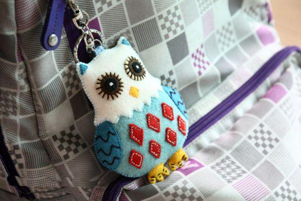 Faça já chaveiro de coruja de feltro (Foto: handmadiya.com)