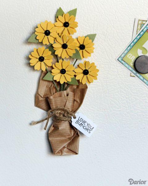 Este enfeite para porta de geladeira é lindo e fácil de ser feito (Foto: blog.darice.com)