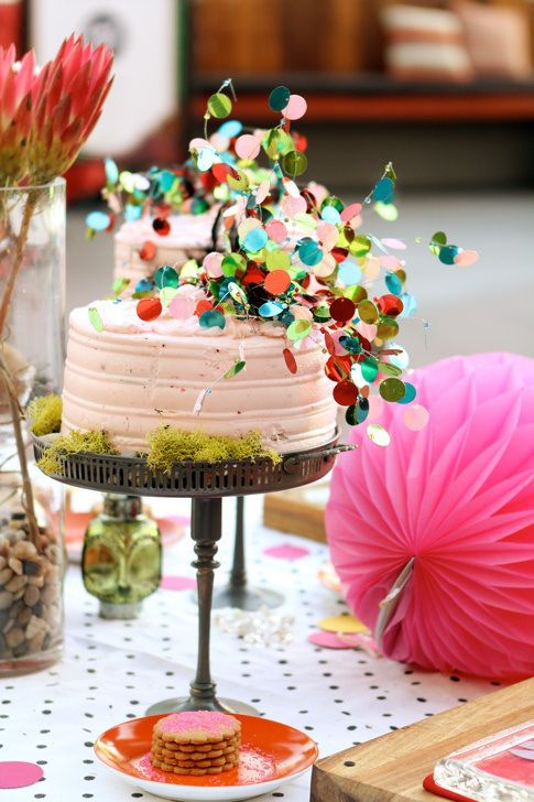 bolo carnaval confetes