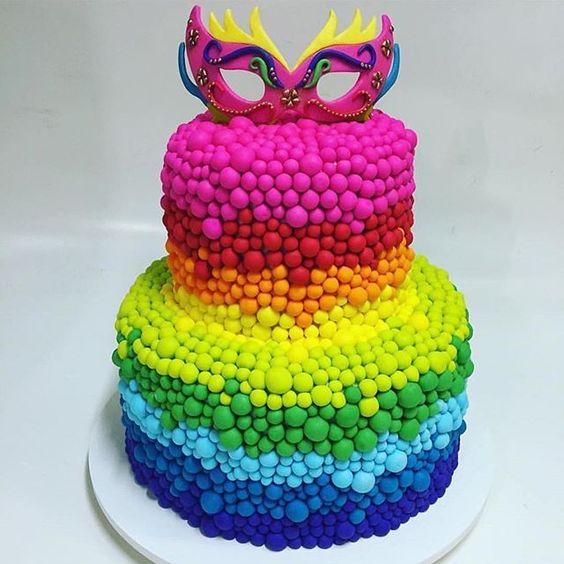 bolo carnaval colorido
