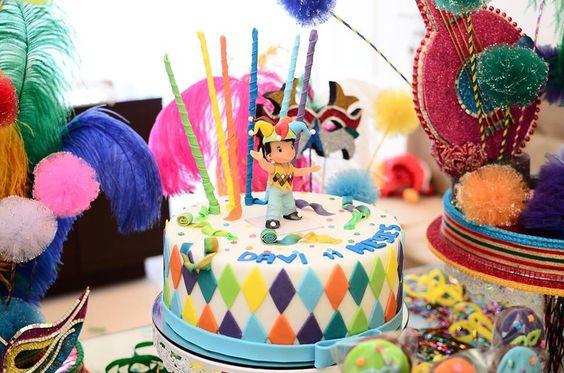bolo carnaval infantil