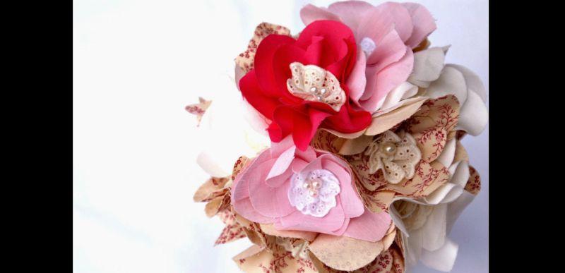 flores com tecido coloridas