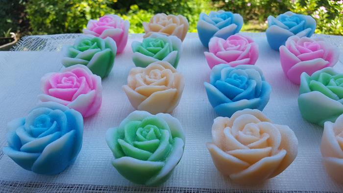 sabonete feito em casa de rosa