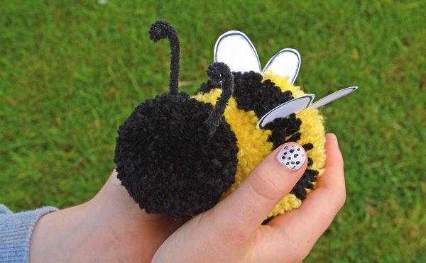 pompom com lã abelha