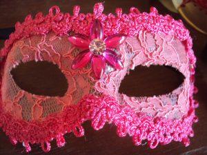 mascara de carnaval rosa