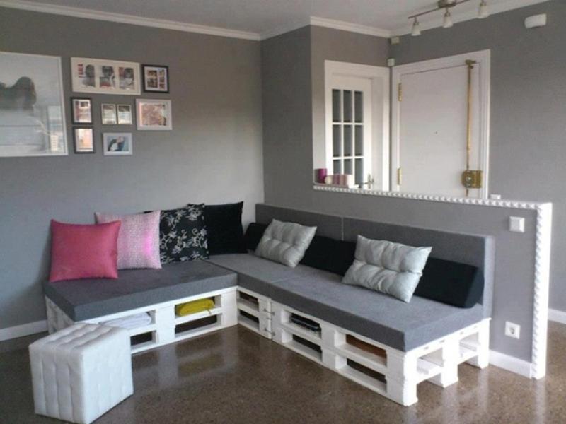 sofá de palete na sala