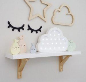 prateleira para quarto de bebe estrela