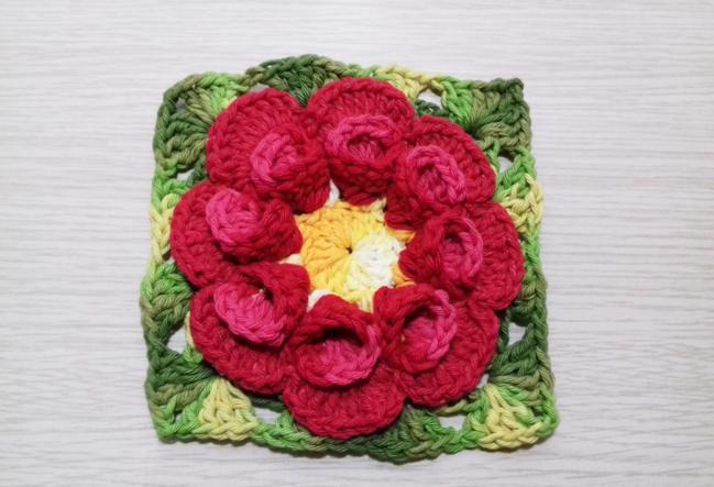 flor de croche carmim 11