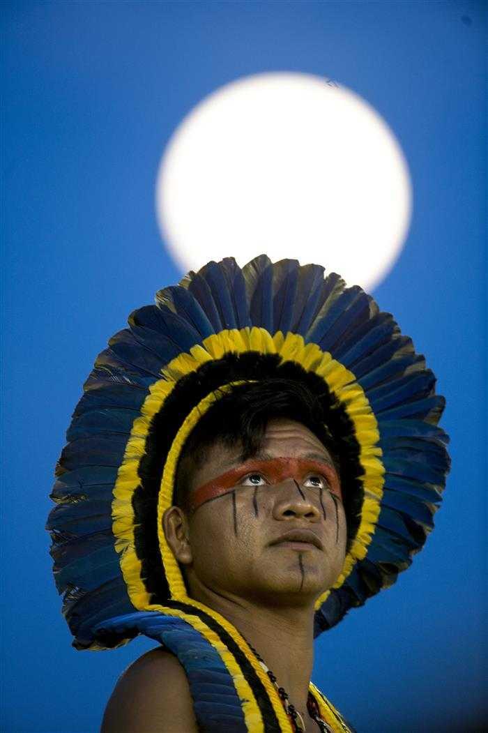 pintura indigena no braço