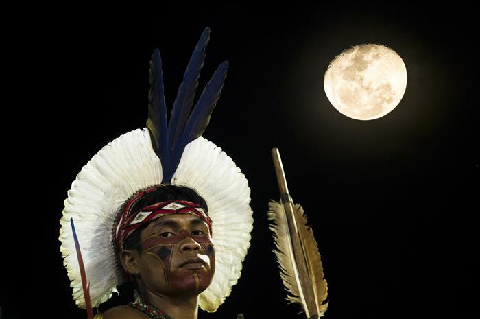 pintura indigena rosto