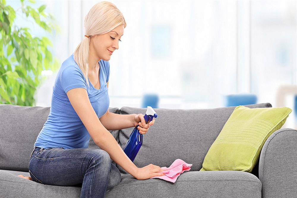 mistura para limpar sofa