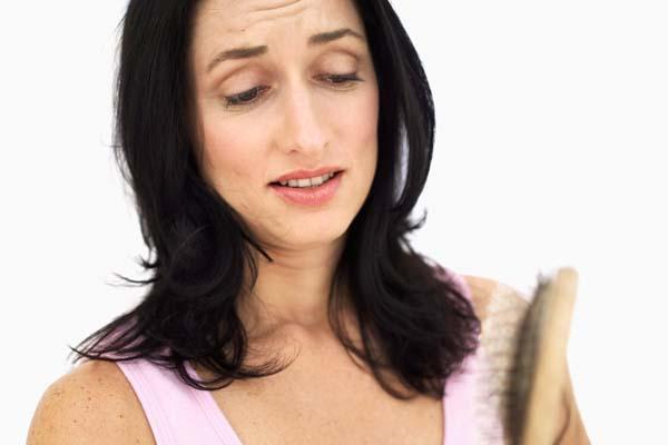 como_tratar_a_queda_de_cabelo