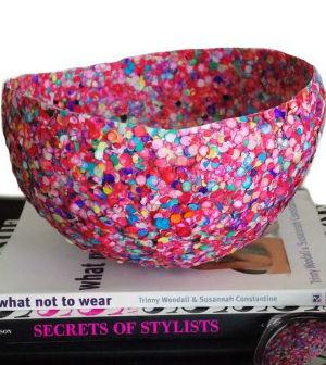 Vaso de bexiga decorado com confetes for Bricolage per la casa