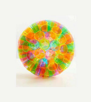 Pendente para decorar com copos coloridos