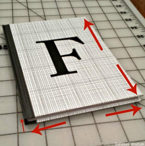 Capa de tecido para caderno com porta caneta passo 1