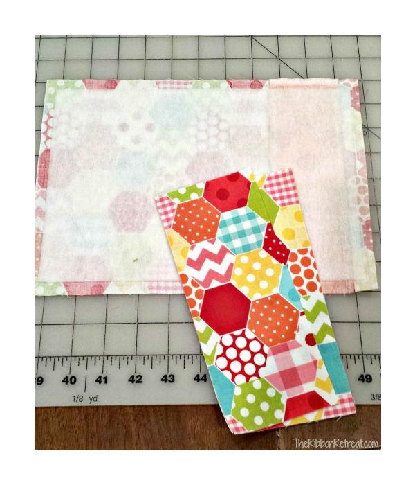 Capa de tecido para caderno com porta caneta passo 5