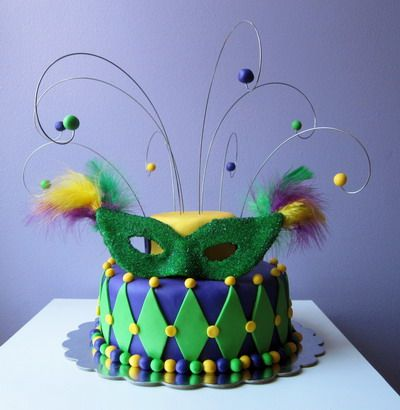 bolo carnaval verde amarelo