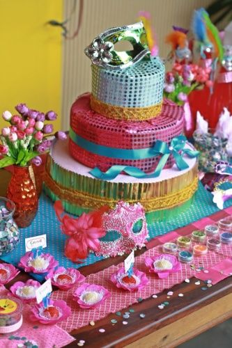 bolo carnaval feminino