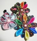 flores com tecido com pedrarias