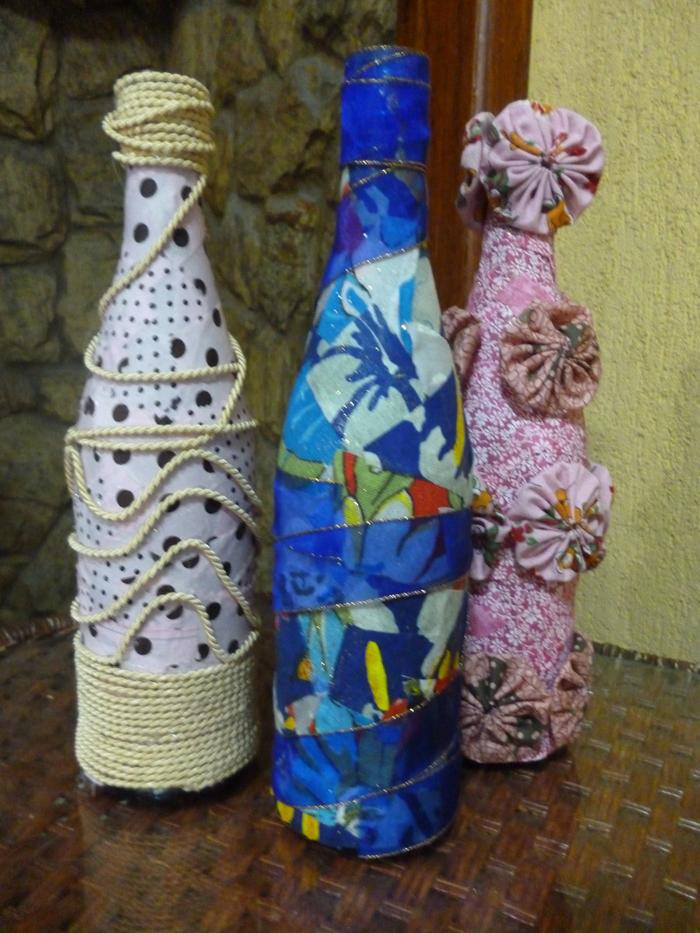 garrafa de vidro com tecido