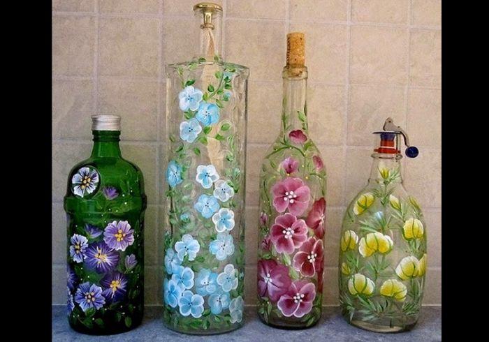 garrafa de vidro com flores
