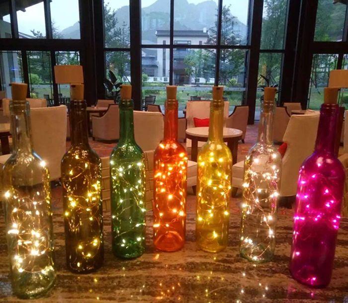 garrafa de vidro com pisca pisca