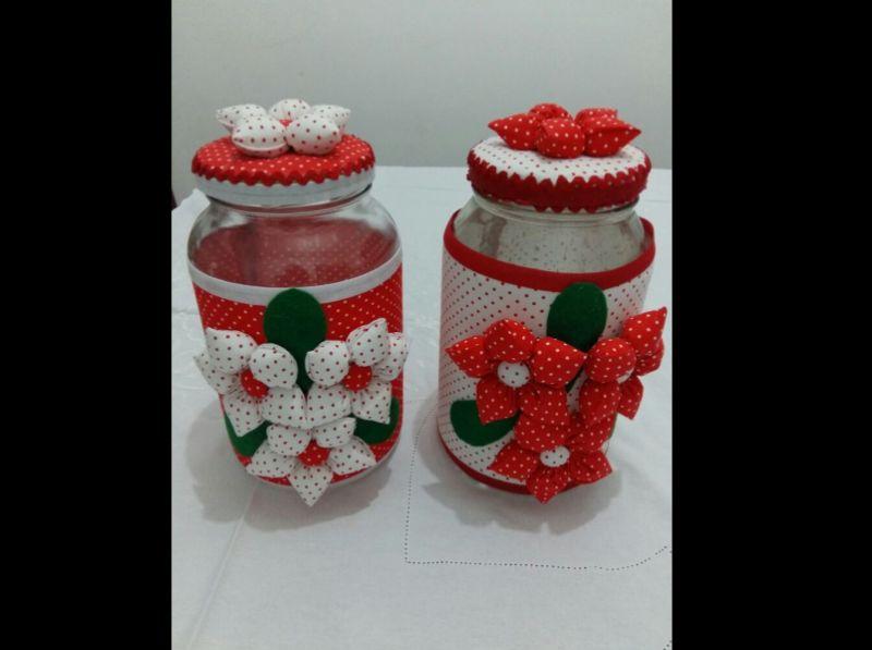 decoração de pote de vidro com fuxico