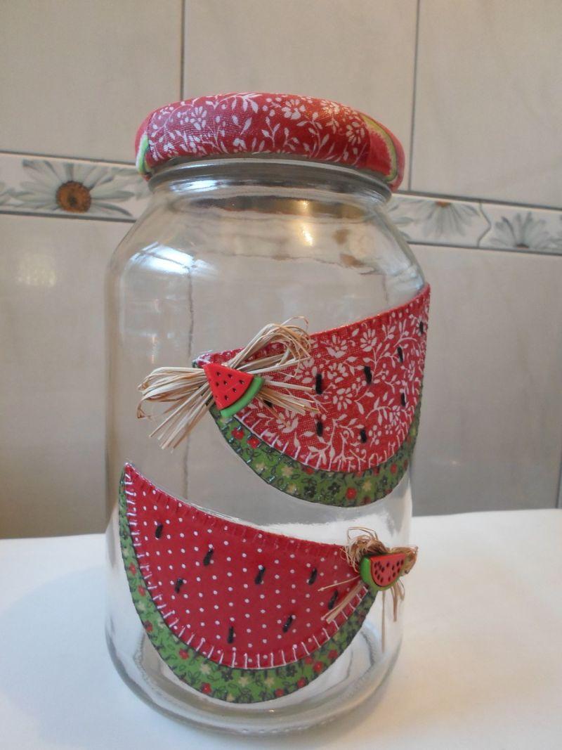 decoração de pote de vidro com frutas