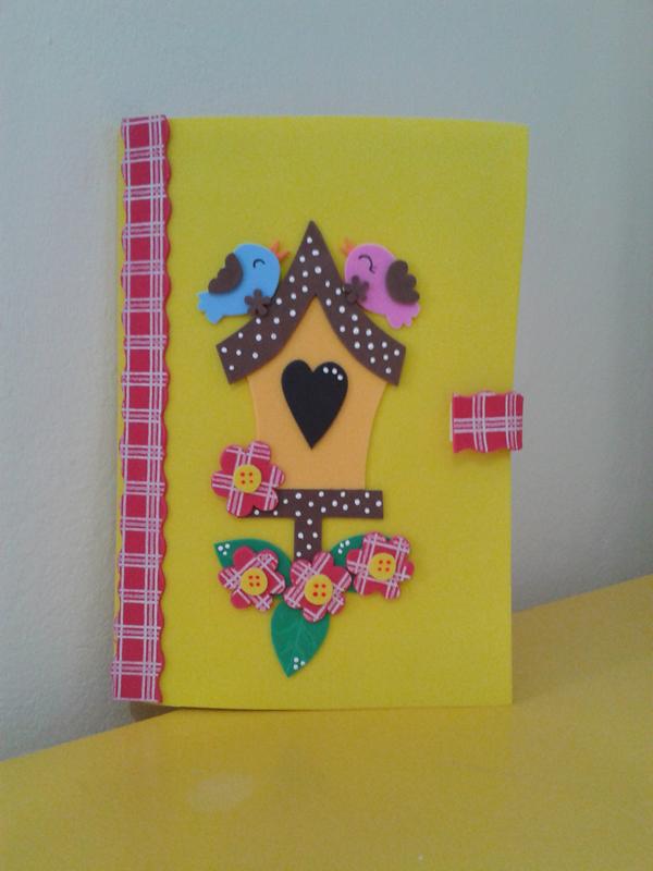 caderno em EVA passarinhos