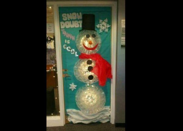 boneco de neve na porta