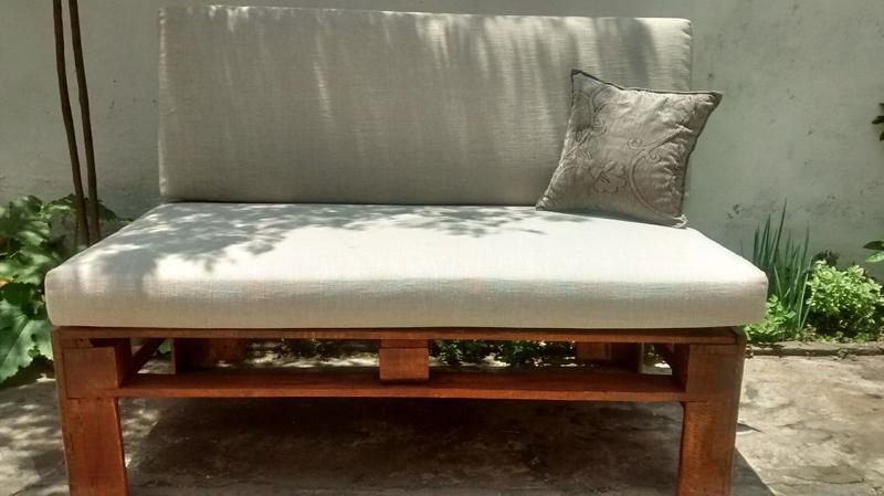 sofá de palete colchão
