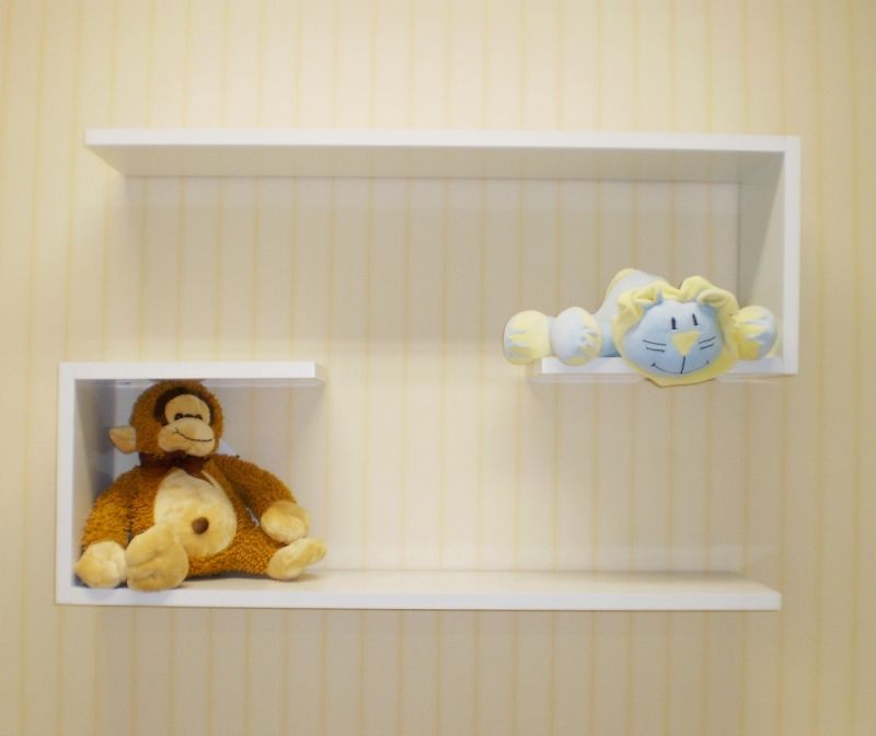 prateleira para quarto de bebe simples