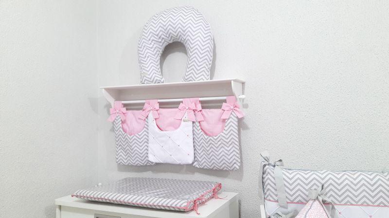 prateleira para quarto de bebe rosa