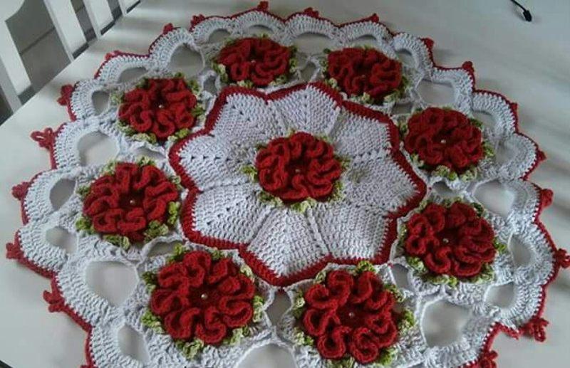 Centro de mesa de crochê com flores redonda 9